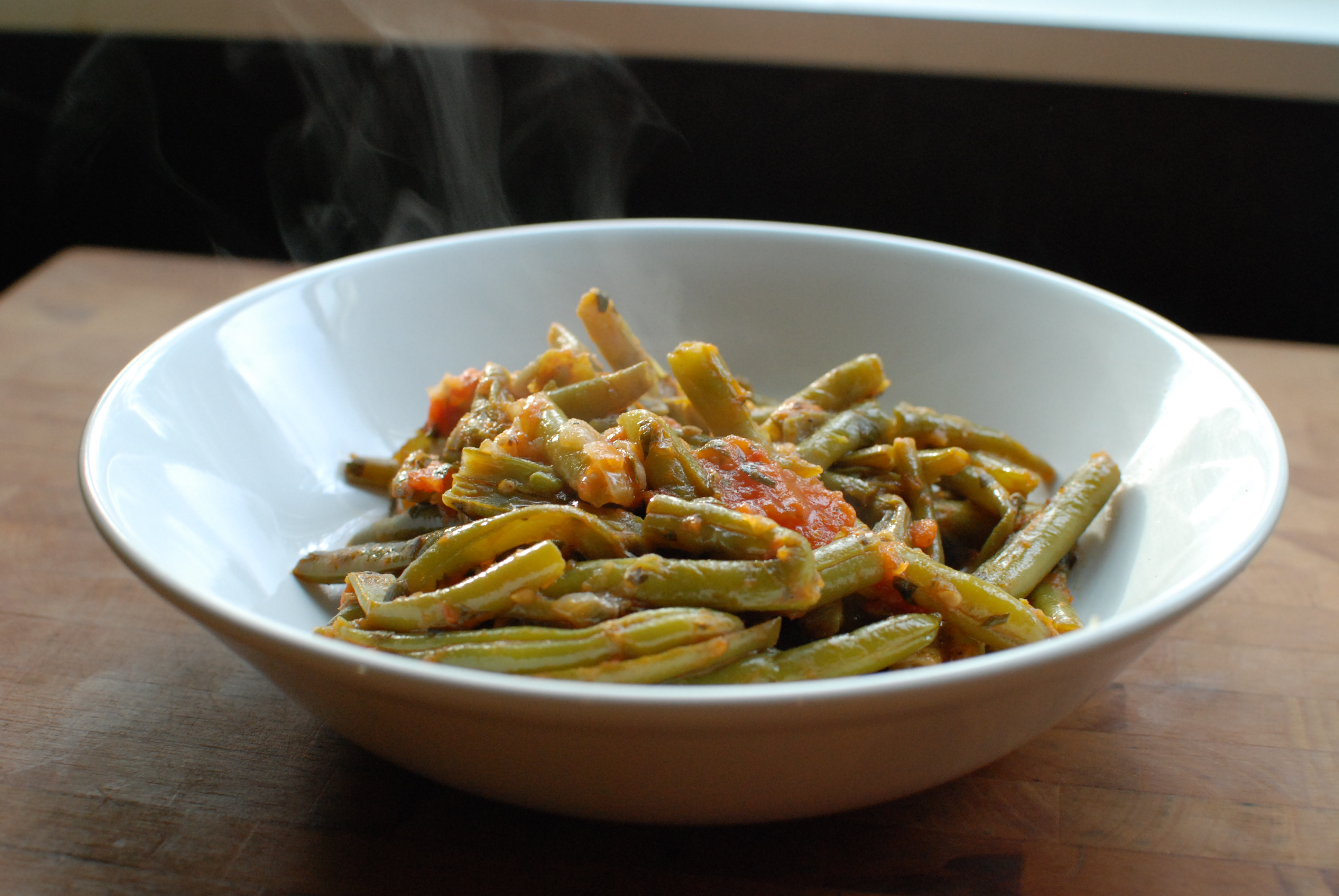 Greek Green Beans In Tomato Sauce (Fasolakia) Recipes ...